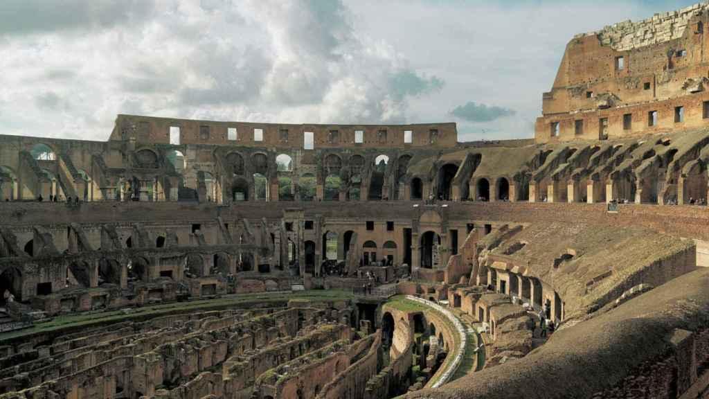 Interior del Coliseo romano.