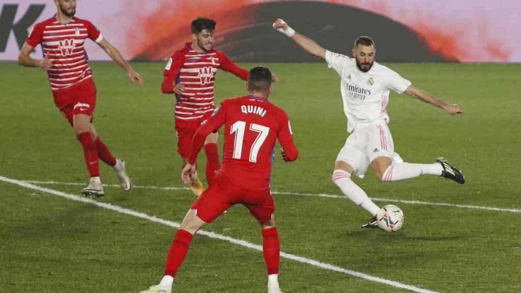 Gol de Benzema en el Real Madrid - Granada