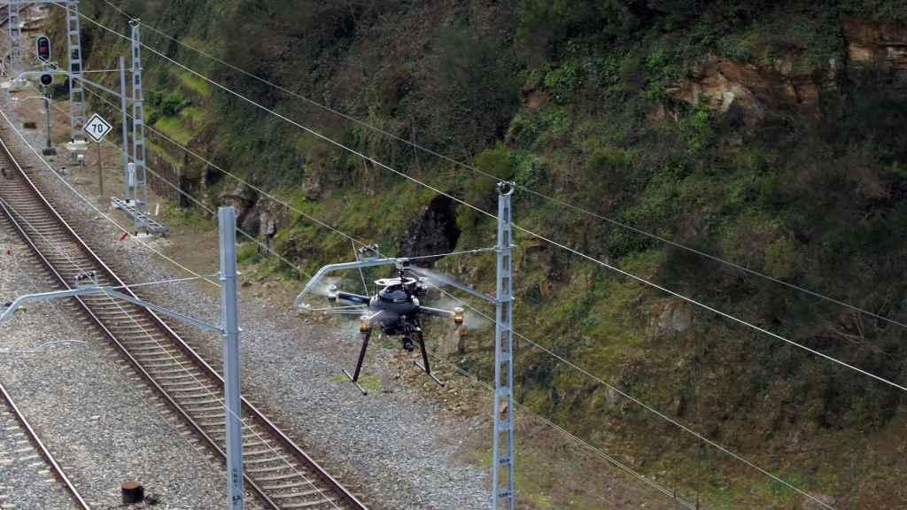 Supervisión de vías férreas con drones y tecnología 5G.