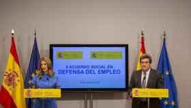 La ministra de Trabajo, Yolanda Díaz, y el minitro de Seguridad Social, José Luis Escrivá, durante una rueda de prensa.