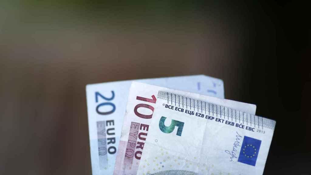 Billetes, monedas, euros, euro, dinero.