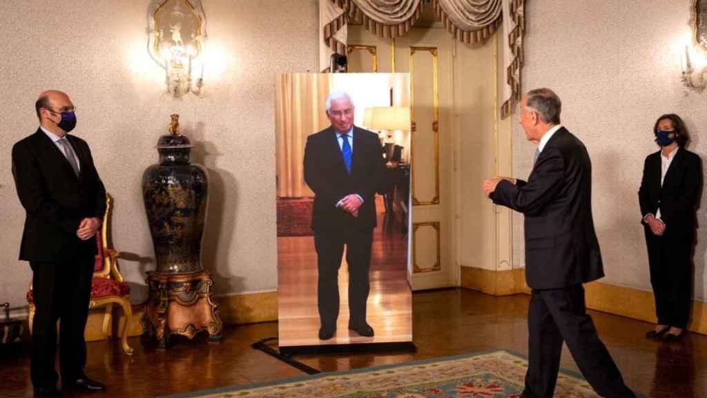 El primer ministro de Portugal, Antonio Costa, felicita la Navidad al presidente de la República, Marcelo Rebelo de Sousa.
