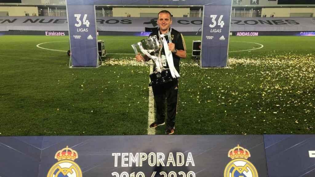 Paul Burgess celebra La Liga 34 del Real Madrid