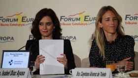 La presidenta de la Comunidad de Madrid, Isabel Díaz Ayuso, y la diputada Cayetana Álvarez de Toledo.
