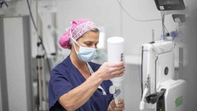La doctora Rocío Díez Munar, en el quirófano.
