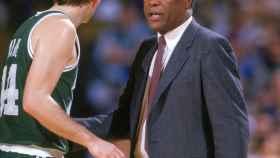 K.C. Jones como entrenador de los Boston Celtics