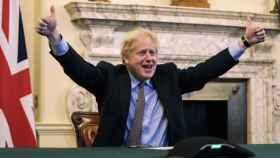 El primer ministro británico, Boris Johnson, celebra el acuerdo del Brexit con la Unión Europea.