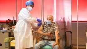 Nicanor, primer vacunado contra el coronavirus en la Comunidad de Madrid.