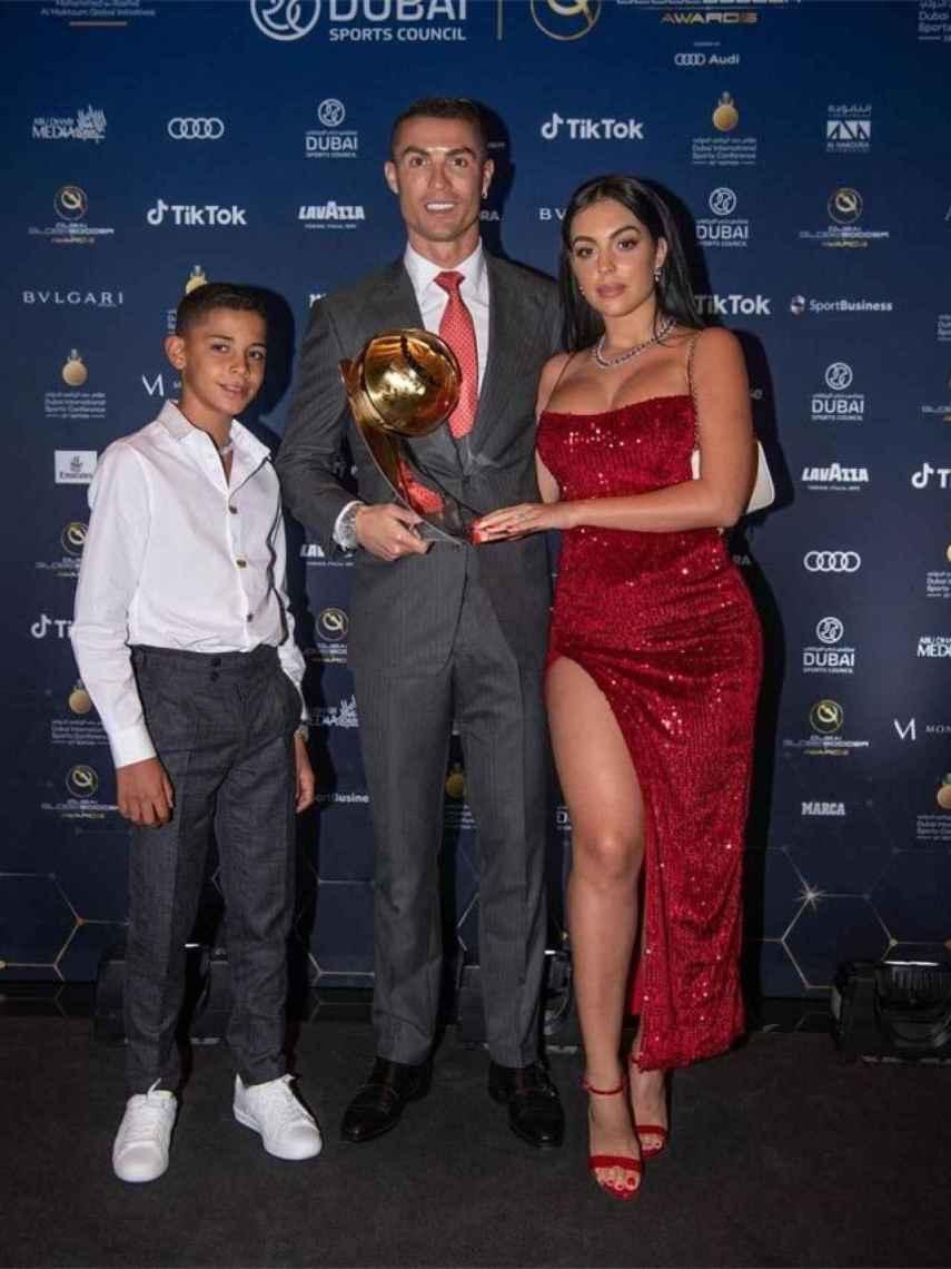 Georgina Rodríguez, Cristiano Ronaldo y Cristiano Junior en Dubái.