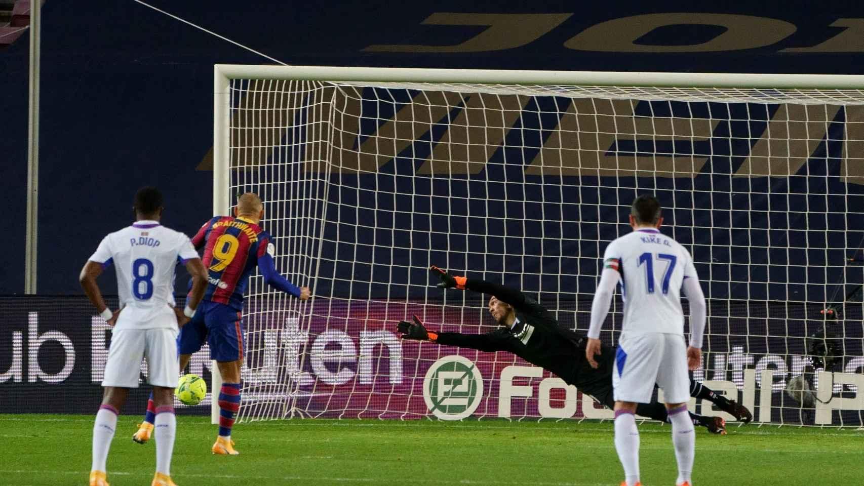 Braithwaite falla el penalti ante el Eibar