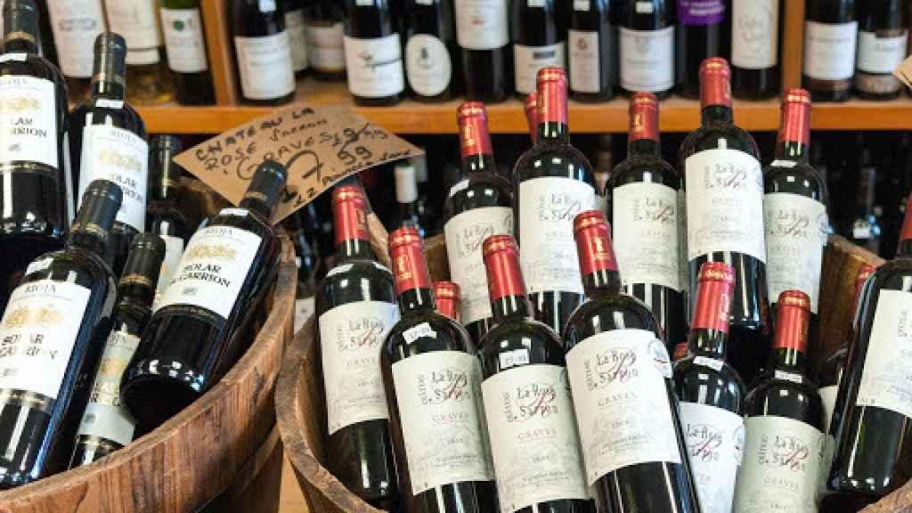 El vino entra en la lista de básicos domésticos.