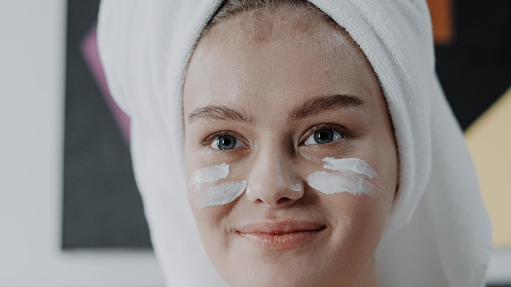 Así es como debes lavarte el rostro para evitar la aparición de futuras imperfecciones