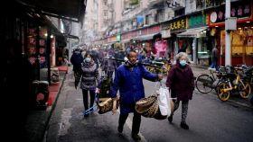 Las calles de Wuhan un año después de la pandemia.