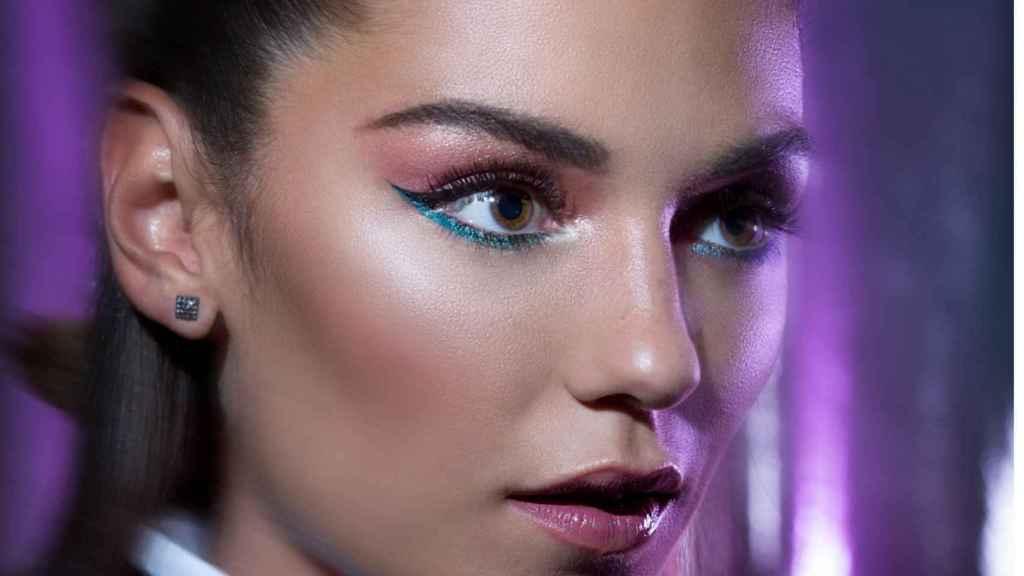 El doble delineado con doble tonalidad destaca para el maquillaje de noche.