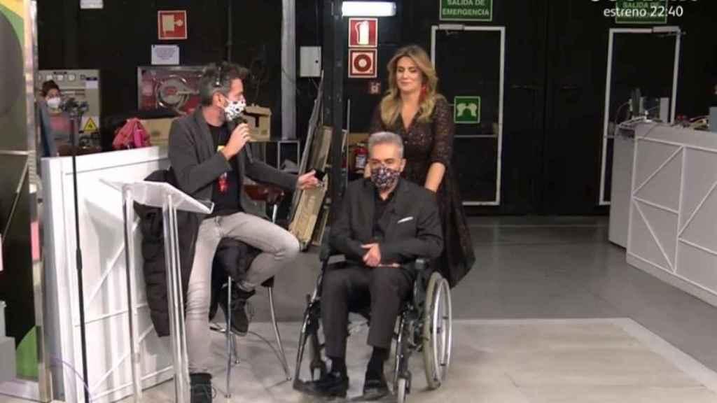 Kiko Herández en silla de ruedas.