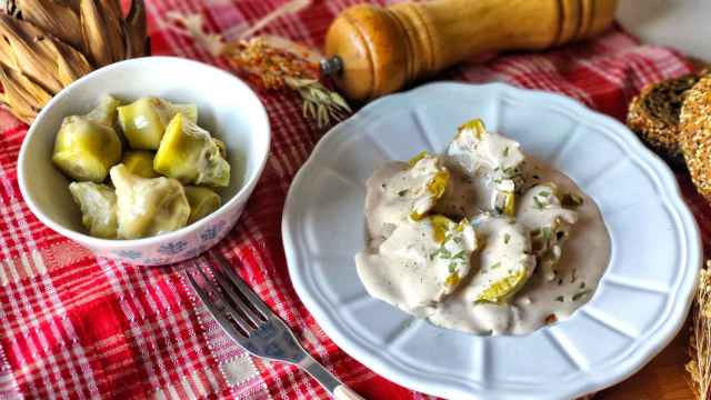 Alcachofas confitadas con crema de fuagrás