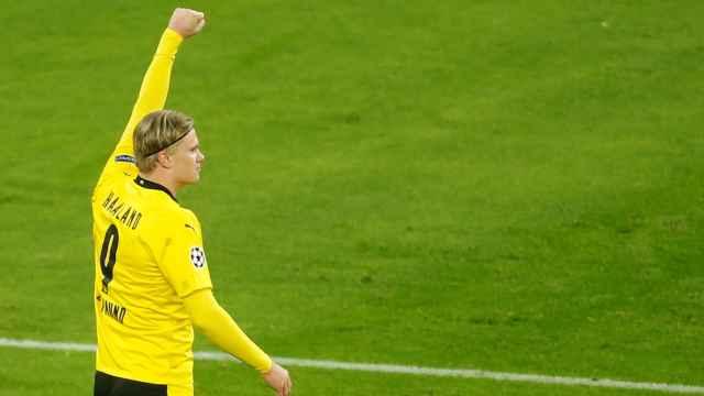 Erling Haaland celebra un gol con el Borussia Dortmund en 2020