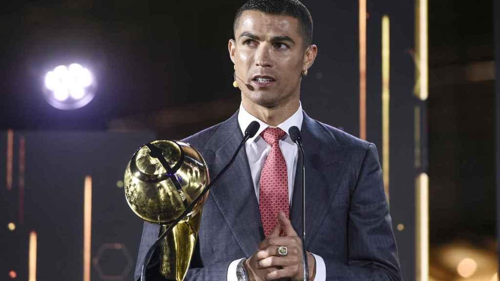 Cristiano Ronaldo recibe el Globe Soccer Award