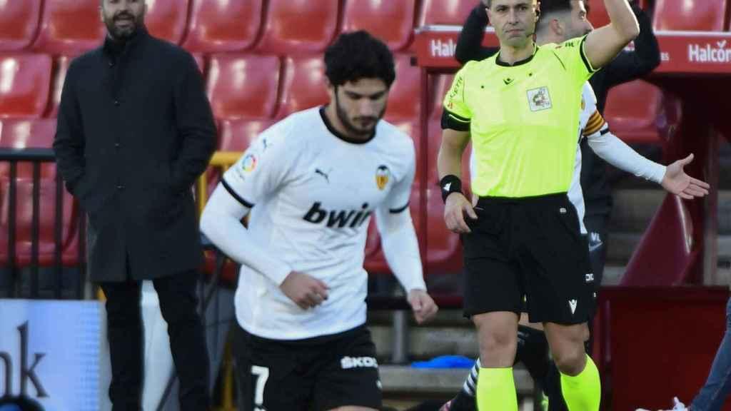 Guedes durante el encuentro del Granada-Valencia