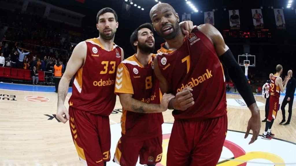 Alex Tyus celebrando con el Galatasaray