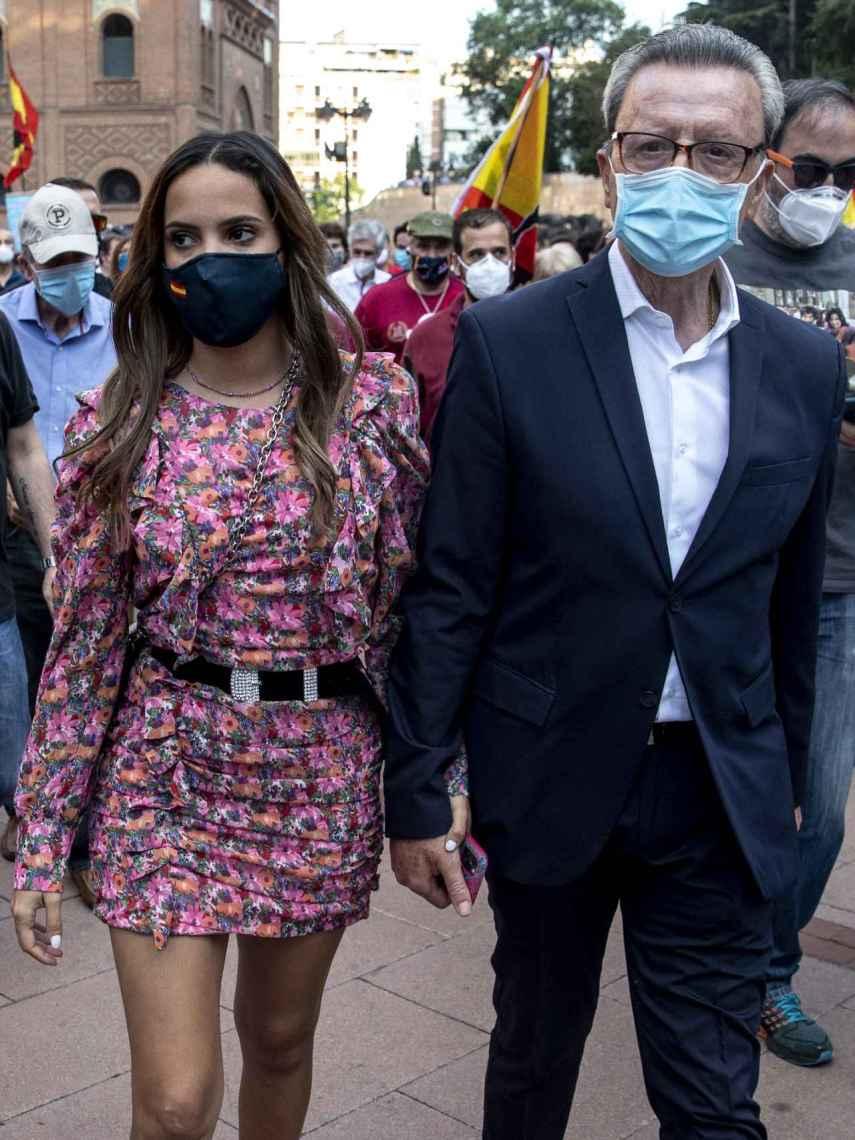 Gloria Camila y José Ortega Cano, en una manifestación en apoyo a las corridas de toros.