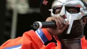 El rapero MF Doom,  en una de sus actuaciones.