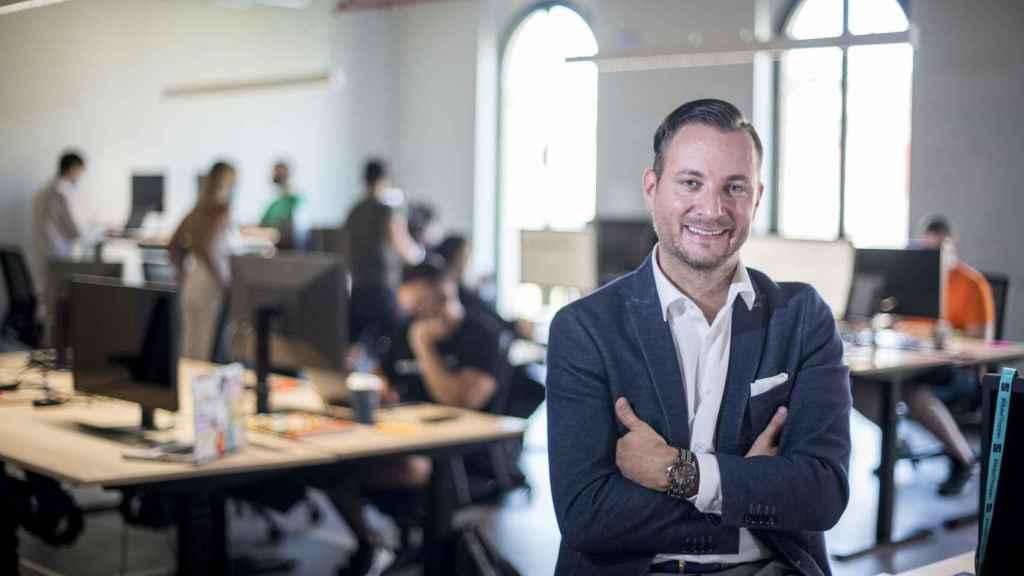 Sebastian Grams, con su equipo de desarrolladores en SEAT