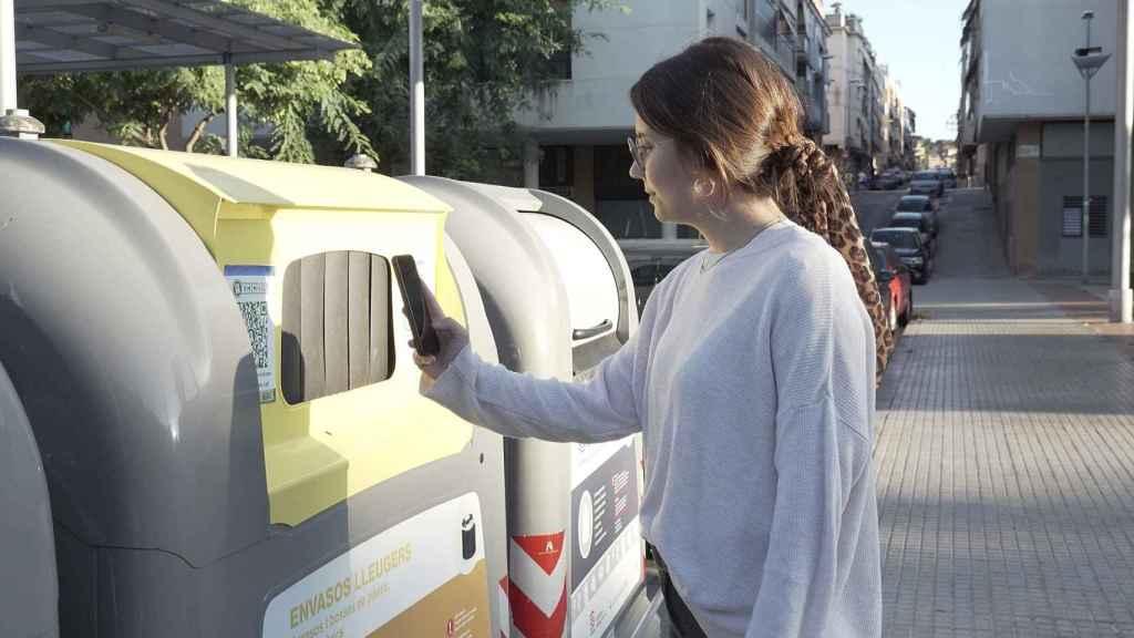 El ODS 12 nos invita a reciclar y separar residuos para construir un mundo más sostenible