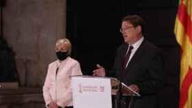 Ana Barceló, 'consellera' de Sanidad; y Ximo Puig, presidente de la Comunidad Valenciana. EE