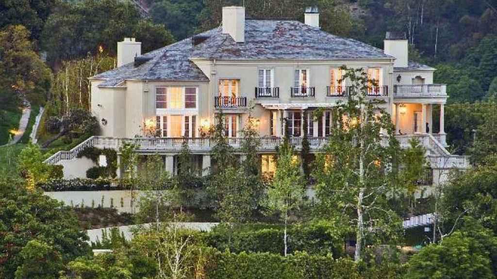 Elon Musk vendió la más grande de las viviendas en junio.