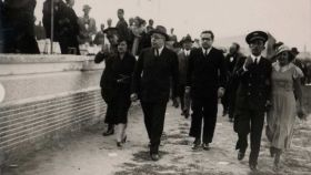 Personalidades republicanas, con Manuel Azaña al frente, durante un acto antes de la guerra.