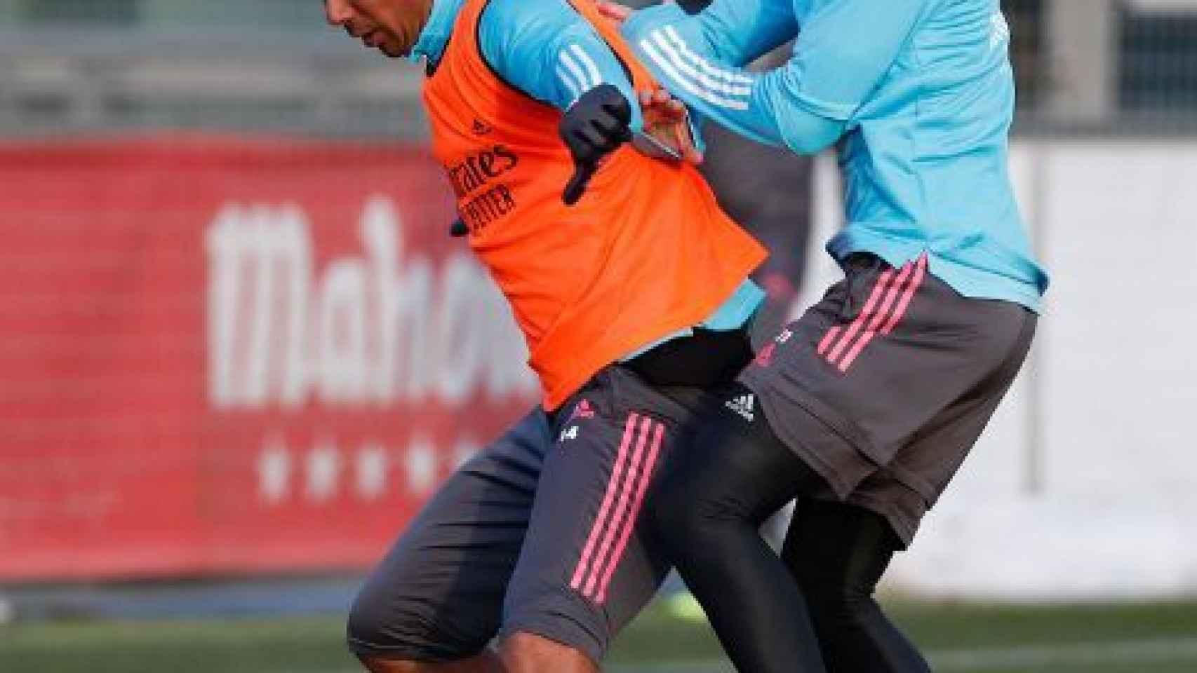 Casemiro y Martin Odegaard, durante un entrenamiento del Real Madrid