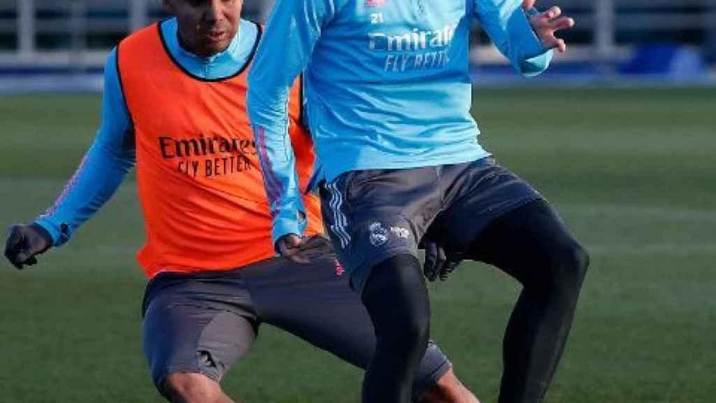 Martin Odegaard y Casemiro, durante un entrenamiento del Real Madrid
