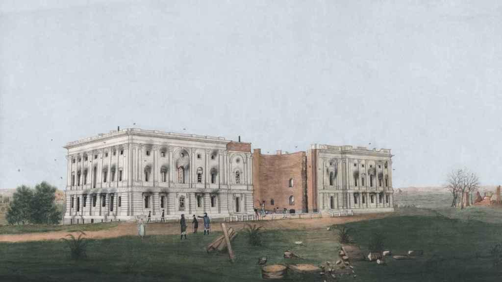 El Capitolio en ruinas tras el incendio de Washington DC.
