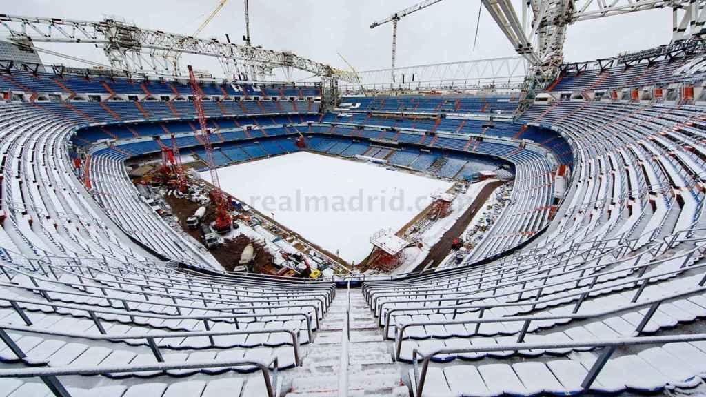 El Santiago Bernabéu, cubierto de nieve