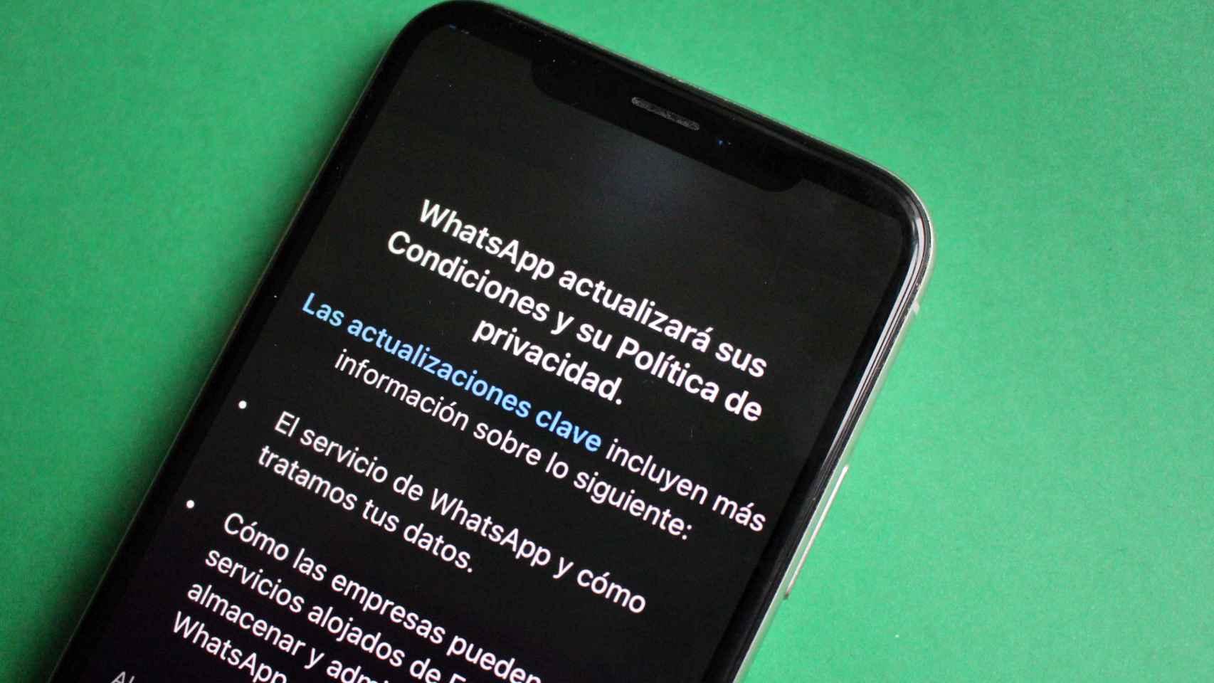 WhatsApp da marcha atrás: no cerrará tu cuenta si no aceptas las nuevas condiciones —