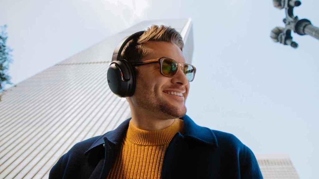 JBL Tour One, los nuevos auriculares de diadema diseñados para el trabajo.