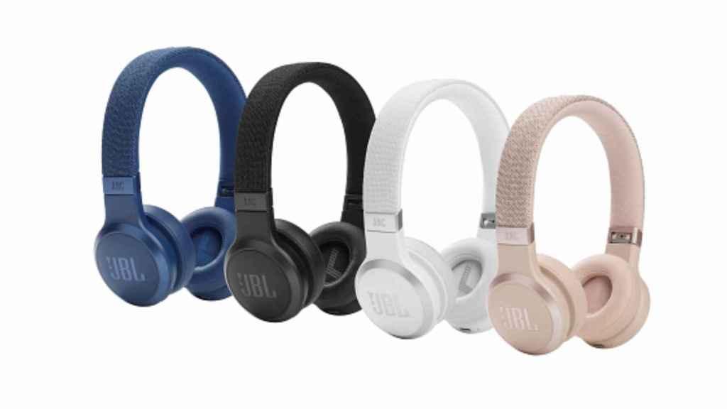 Los JBL LIVE 460NC son unos auriculares supraurales.