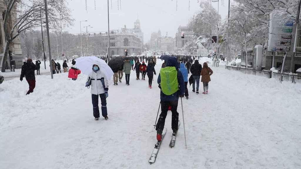 Madrileños disfrutando de la nevada dejada por Filomena.