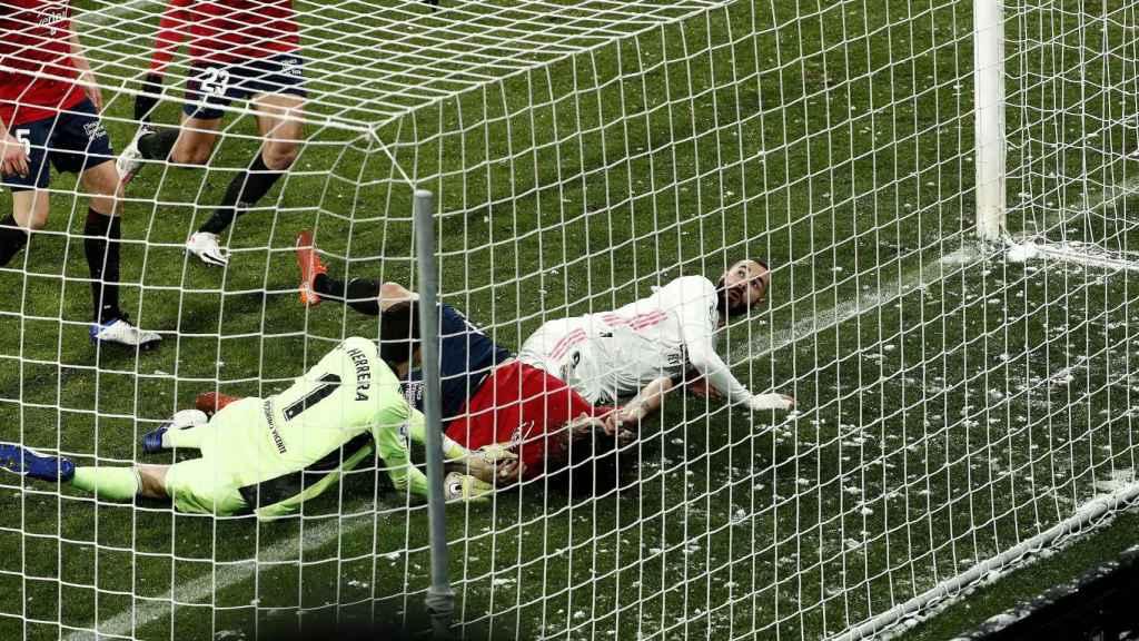 Benzema, en el gol anulado durante el partido frente a Osasuna