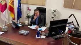 Emiliano García-page este sábado en su despacho del Palacio de Fuensalida