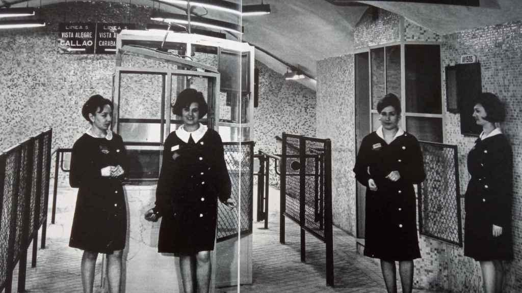 Taquilleras del Metro de Madrid, que recoge el libro La mujer en Metro.