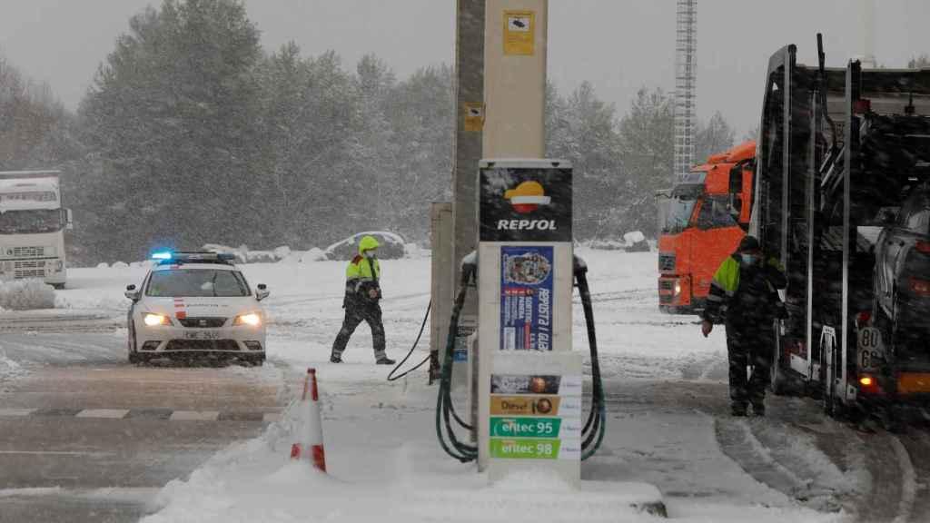 Varias carreteras se han cortado en Cataluña por culpa del temporal de nieve.