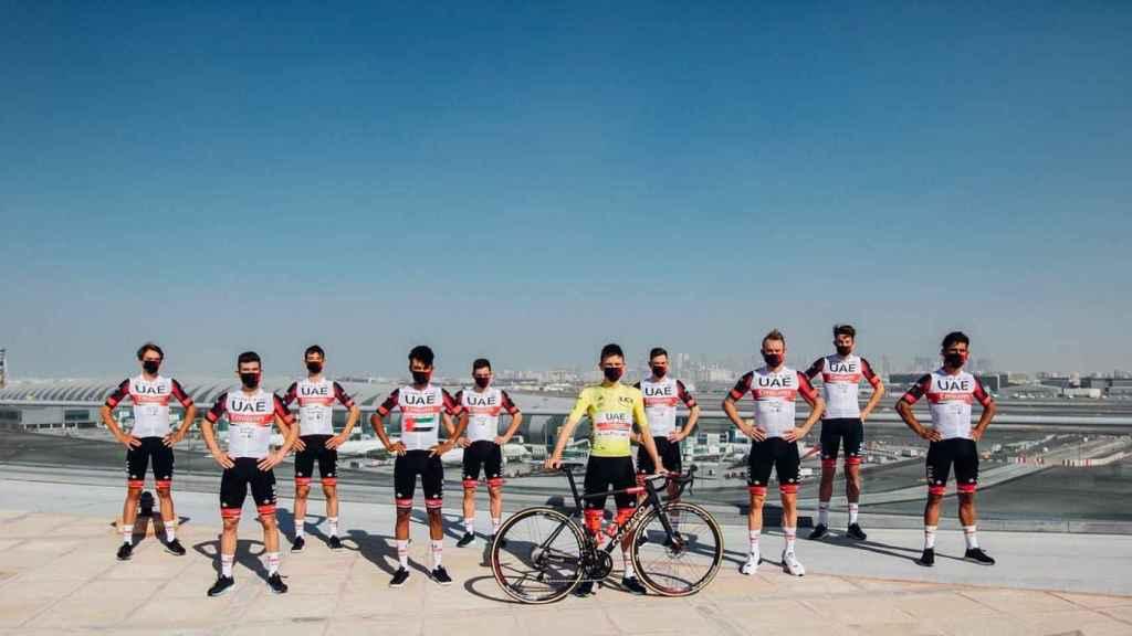 El UAE Team con Tadej Pogacar a la cabeza
