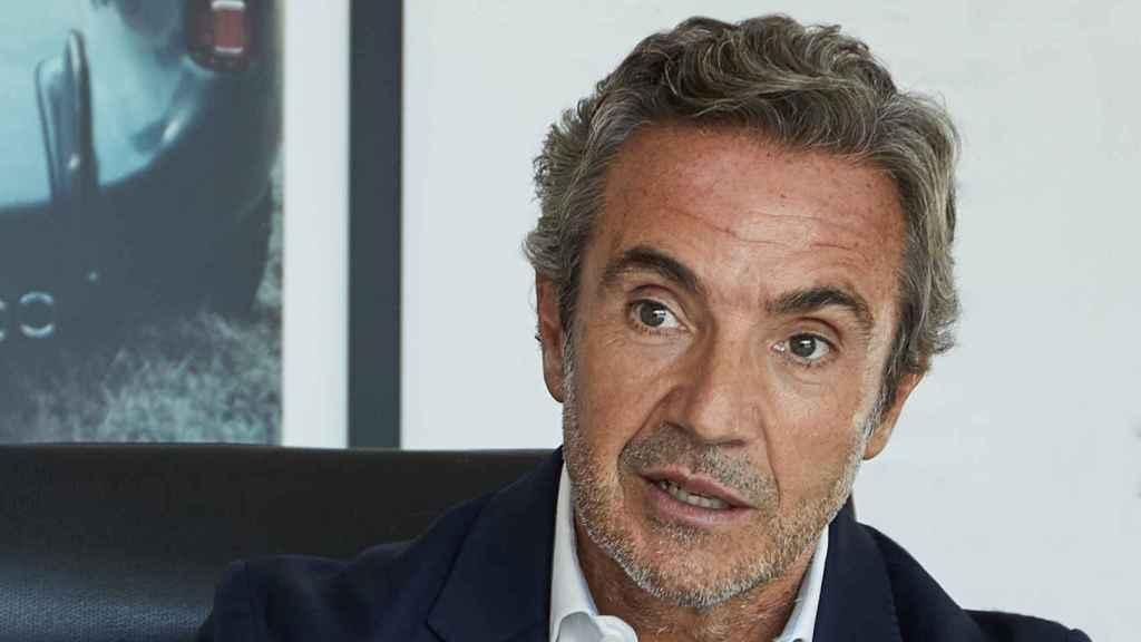 Tomás Villén tiene 55 años de edad y lleva ya 11 años en Porsche.