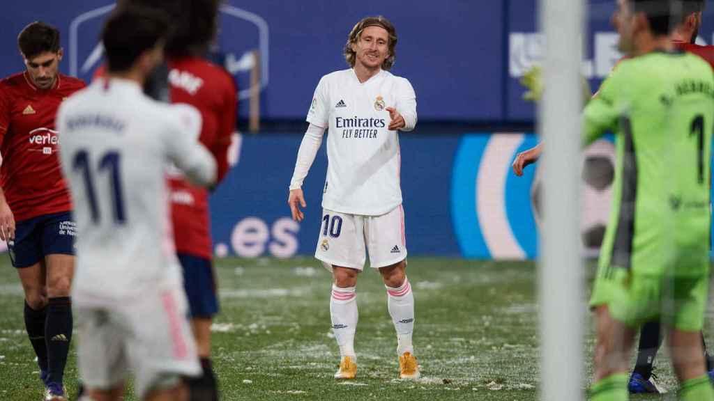 Luka Modric y Marco Asensio en el partido frente a Osasuna