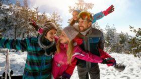 La ropa para la nieve que necesitas: prepárate para los días más fríos con estos productos