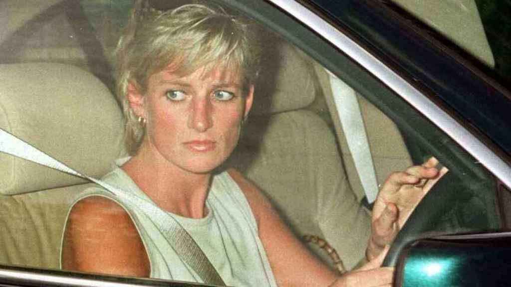 Diana y Khan mantuvieron un romance hasta poco antes de la muerte de la princesa.