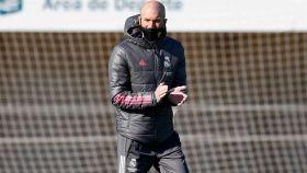 Zidane dirigiendo al Real Madrid