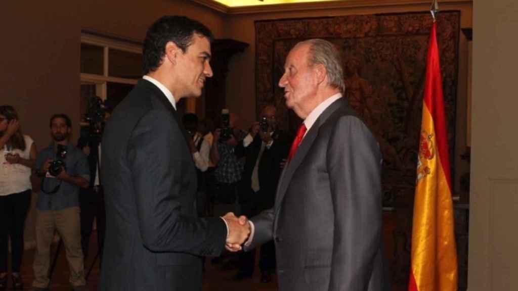 Pedro Sánchez y Juan Carlos I en una imagen de archivo.